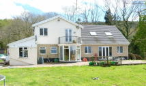 4 bed Detached property for sale in Pembrey  CARMARTHENSHIRE