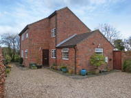 Detached home in Buslingthorpe...