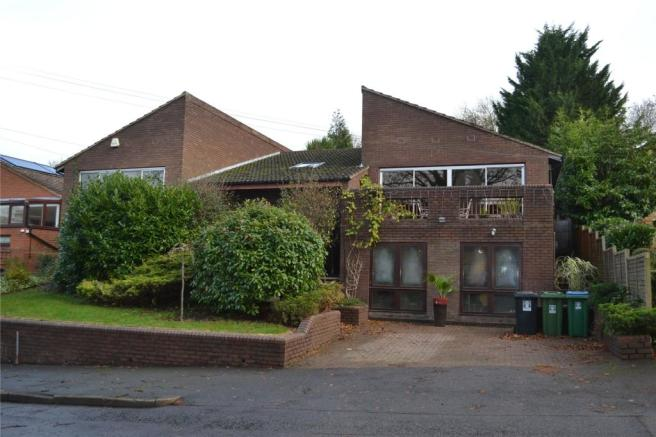 4 Bedroom Detached House For Sale In Hempstead Road Watford Hertfordshire Wd17 Wd17