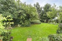 3 bed Flat in Canfield Gardens, London...