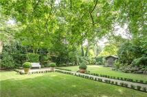 3 bedroom Flat for sale in Greenaway Gardens...
