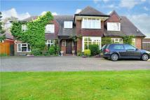 4 bedroom Detached home to rent in Chipperfield Road...