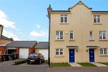 Town House to rent in Scarborough Drive...