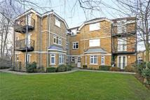 Flat to rent in Forge Lane, Northwood...