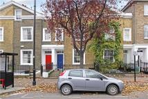 3 bed Flat in Hemingford Road, London...