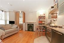 Flat in Petherton Road, London...