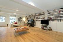 2 bed Flat in Barnsbury Square, London...