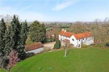 Detached home for sale in Woodside Lane...