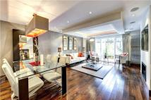 4 bed Terraced house for sale in South End, London, W8