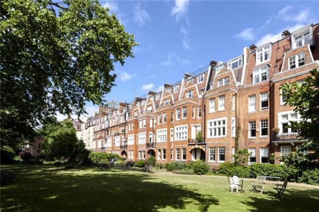 Kensington studio flat