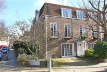 4 bed semi detached home in Holland Park Road...