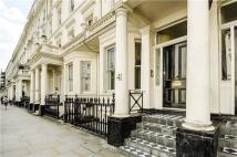 3 bedroom Flat in Stanhope Gardens, London...