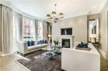 2 bedroom Flat for sale in Hans Crescent, London...