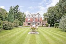 6 bed Detached property in High Broom Road...
