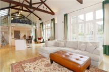 4 bed semi detached house for sale in Montague Road, Richmond...
