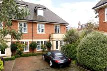 5 bed semi detached property for sale in Laubin Close...