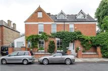 4 bed semi detached house in Selwyn Avenue, Richmond...