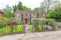 4 bedroom Detached house in Bute Avenue, Petersham...