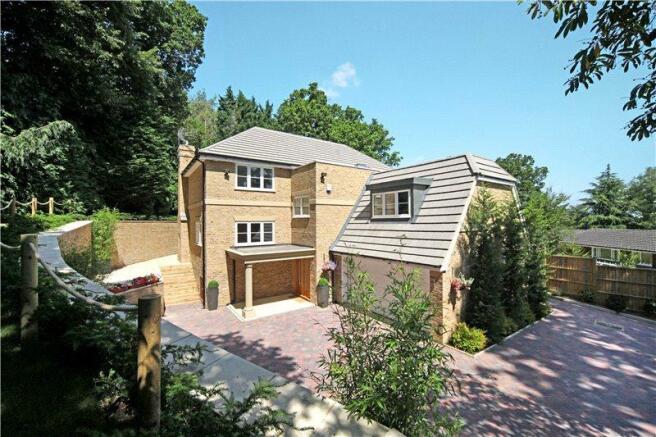 5 Bedroom Detached House For Sale In Dower Park Windsor