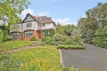 Detached house in Kendal Avenue, Epping...
