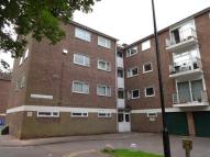 2 bedroom Ground Flat in Dore Court