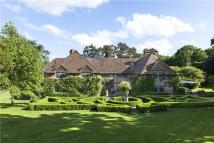 6 bed Detached house in Alfold Road, Dunsfold...