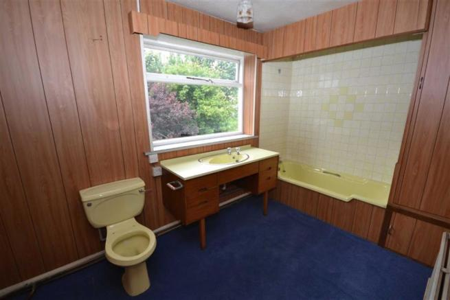 Second Bathroom/w.c