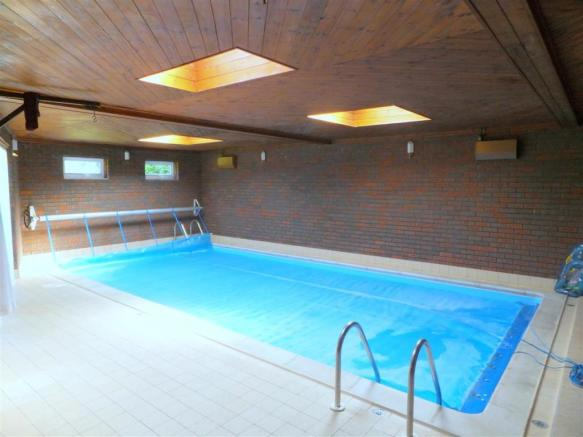 Pool Annexe