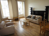 4 bedroom Flat in Gibson Street, Glasgow...