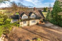 4 bed Detached house in Crewes Lane, Warlingham...