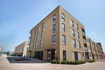 Flat to rent in Ellis Road, Trumpington...