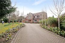 5 bedroom property in Oak Lodge Drive, Redhill...