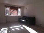 1 bedroom Flat to rent in Churchfields, London, E18