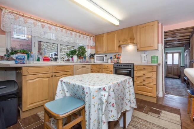 1690 - Kitchen