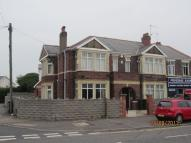 2 bed Flat to rent in Grand Avenue, Cardiff...