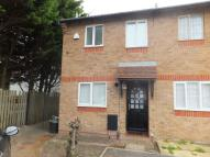 2 bed semi detached house in Burges Place...