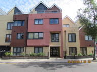 Flat to rent in Bramley Crescent, Ilford...