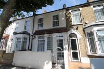 3 bedroom Terraced house in Waghorn Road