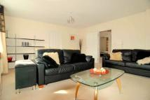 Flat to rent in Rosebud Close...