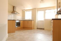 2 bed Terraced home in Waterville Road...
