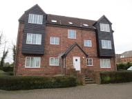 Flat to rent in Dewell Mews
