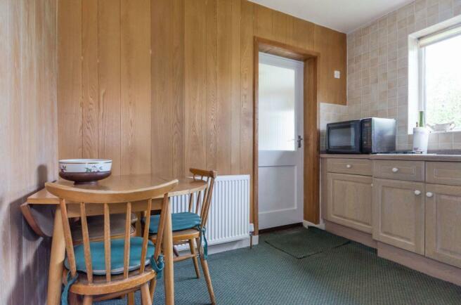 7...kitchen c.jpg