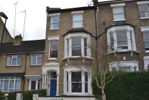 2 bedroom Flat in Huddleston Road, Lonodn...