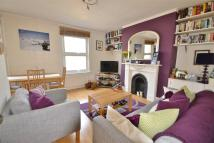 2 bedroom Maisonette in Tremlett Grove, London...