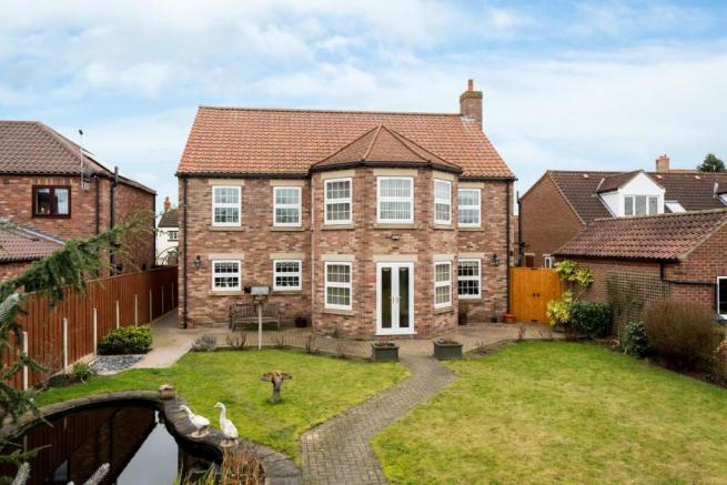 4 Bedroom Detached House For Sale In York Road Cliffe