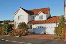 4 bedroom Detached house in Glentye Drive, Tullibody...