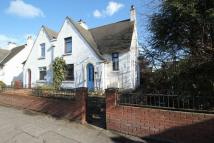 3 bed semi detached property in 25 North Approach Road...