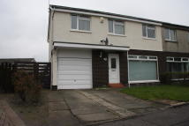 3 bedroom semi detached home to rent in Leander Crescent...
