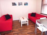 Flat to rent in Clapham Junction...