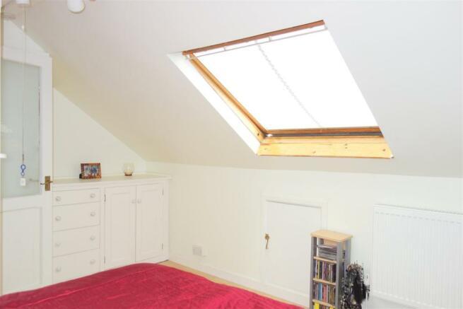 attic room1.jpg